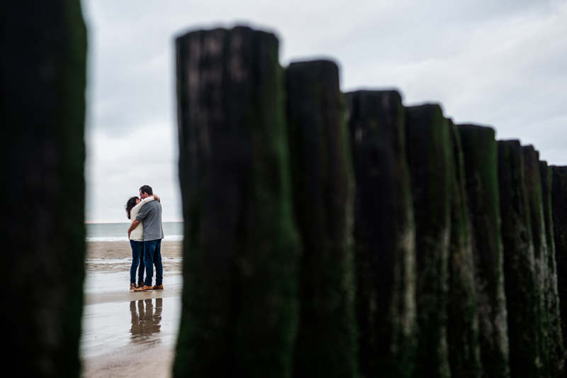 Paarshooting coupleshooting engagementshooting Pärchen Cadzand Holland Netherlands authentic Strand beach