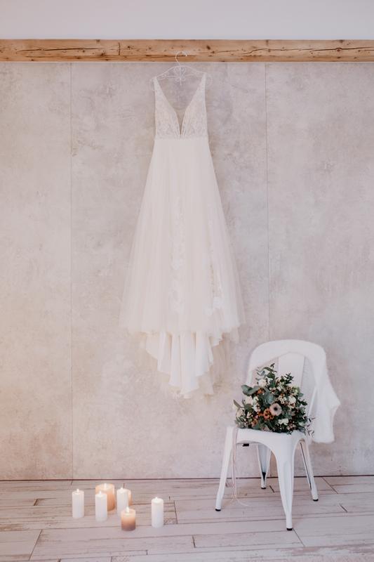 Brautkleid Hochzeit Wedding Elopement Brautstrauß Styled Shoot